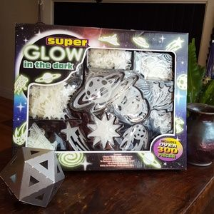 300 Glow in the dark outer space shapes